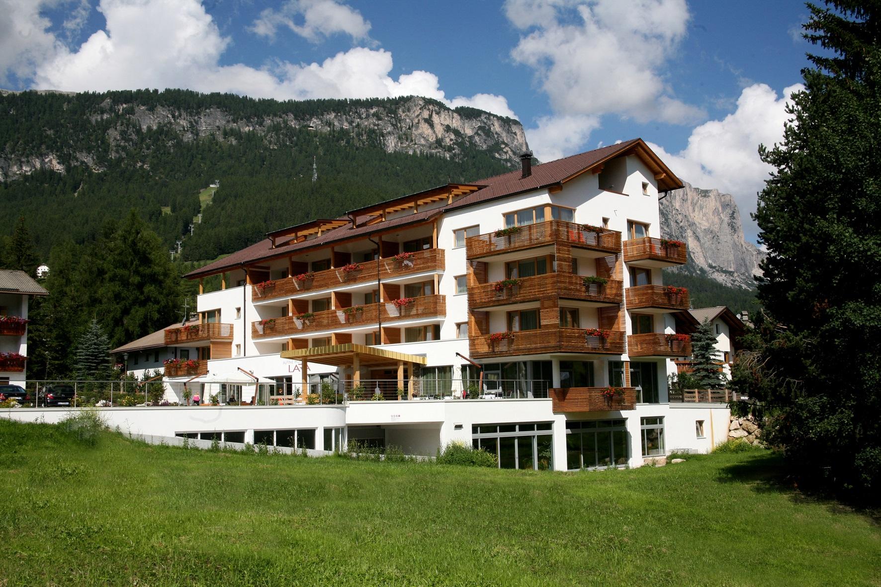 alpine-hotel-ciasa-lara-suedtirol-alta-badia-alto-adige-italia