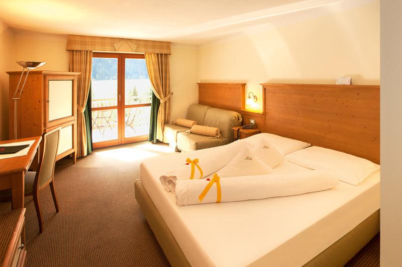 hotel-unterpichl-ultental-suedtirol-val-ultimo-alto-adige-italia-schlafzimmer